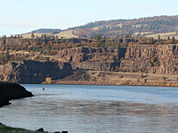 Columbia River near Roweena